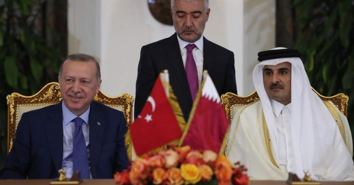 President Recep Tayyip Erdou011fan (L) and Qatari Emir Sheikh Tamim bin Hamad Al Thani during the agreement signing ceremony in Doha, Qatar, Nov. 25, 2019. (AA Photo)