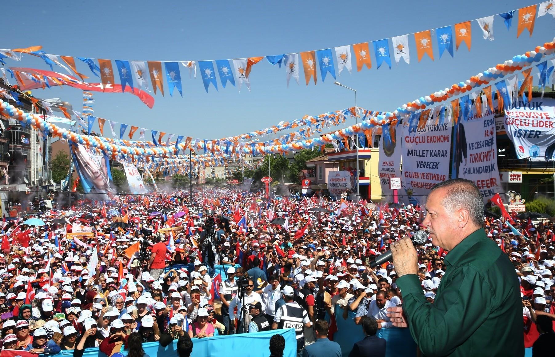 President Erdou011fan addresses a large crowd in western Denizli province yesterday