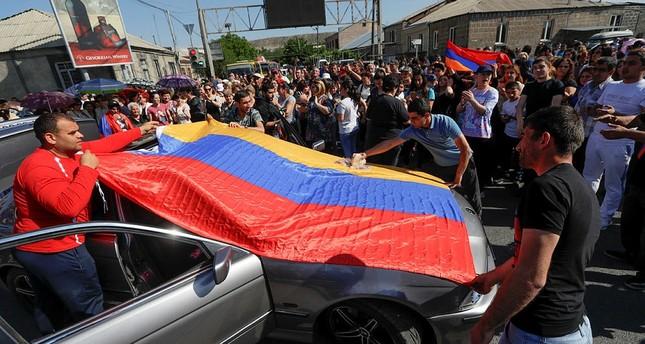 أنصار المعارضة الأرمينية يحتجون في العاصمة الأرمينية يريفان - الفرنسية