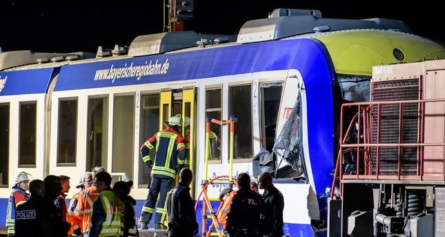 قتيلان و14 جريحا في تصادم قطارين بألمانيا