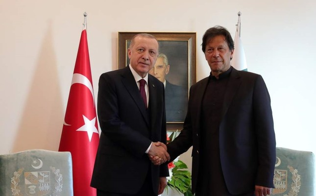 President Recep Tayyip Erdo?an shakes hands with Pakistani Prime Minister Imran Khan, Islamabad, Pakistan, Feb. 14, 2020. AA Photo