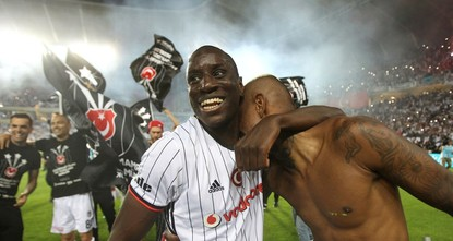 pSenegalese striker Demba Ba said Sunday that he was willing to return to Beşiktaş, as reports said he had already agreed with his current club China's Shanghai Shenhua on a loan deal with Istanbul...