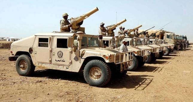 قوات سعودية على الحدود مع اليمن (رويترز)