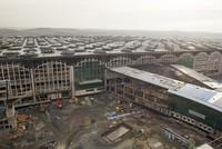 Verkehrsminister Ahmet Arslan besuchte am Freitag die Baustelle des 3. Flughafens von Istanbul und sagte, dass das Tempo des Baus zufriedenstellend sei. Der Flughafen sei mit geschätzten...