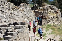 The ancient city of Troy could offer clues about how to make modern buildings more earthquake-resistant, academics from Çanakkale Onsekiz Mart University have suggested.