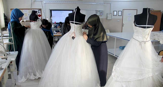 Something old, something new: Turkish students redesign used wedding ...