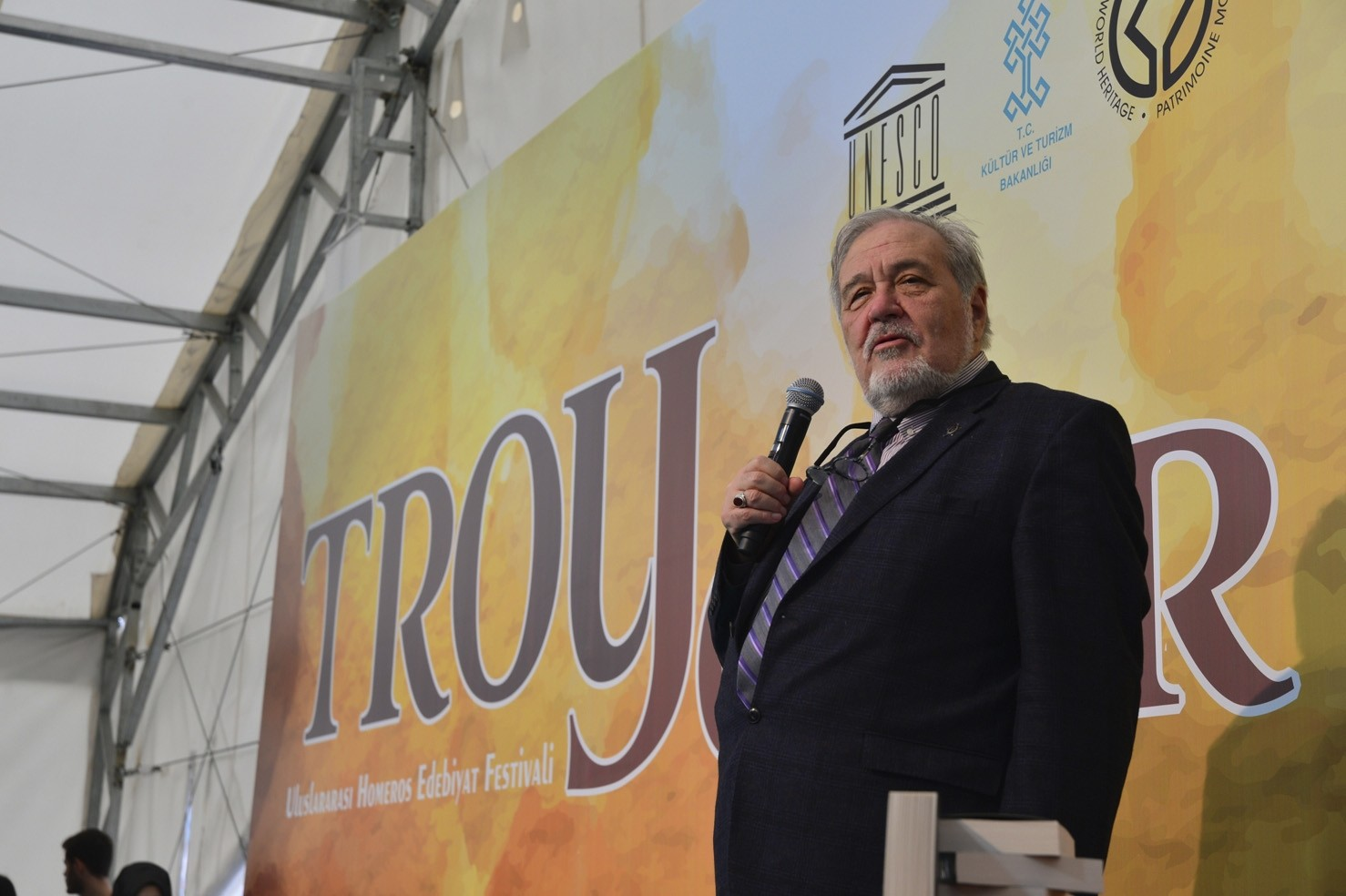 Turkish  academic u0130lber Ortaylu0131 will talk about the historic city of Troy.