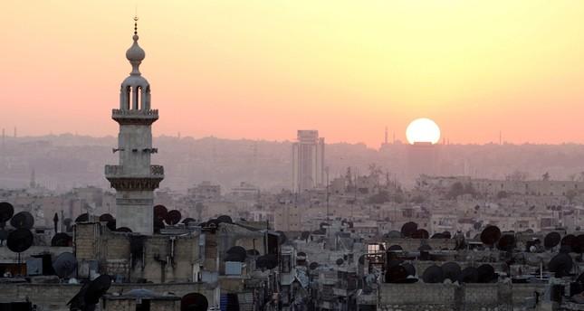 أبو روما الحلبي: سيلفي وهزائم النظام خلفي