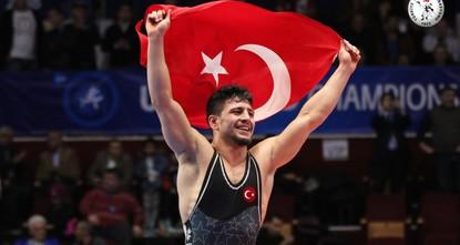 Turkish wrestler Cengiz Arslan wins gold in wrestling championships