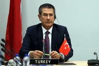 وزير الدفاع التركي يشير إلى وجود إقبال كبير على شراء المنتجات الدفاعية التركية