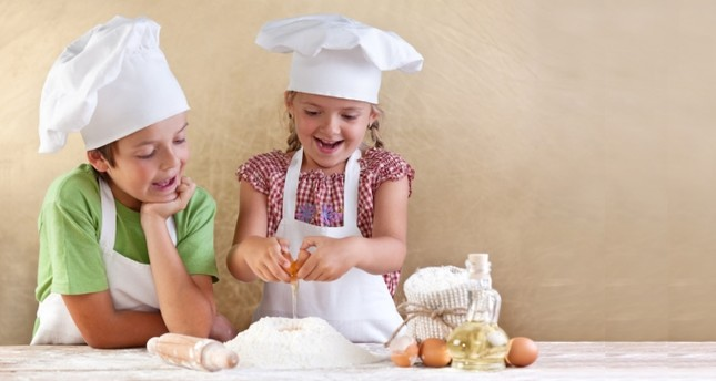 Istanbul's little chefs in the kitchen: Cookery workshops for children