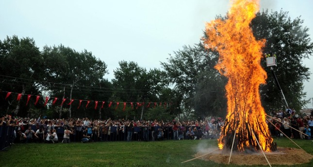 Turkey-based expat organization Yabangee will celebrate the traditional Hıdırellez with Let's go to Hıdırellez: Spring Street Festival.