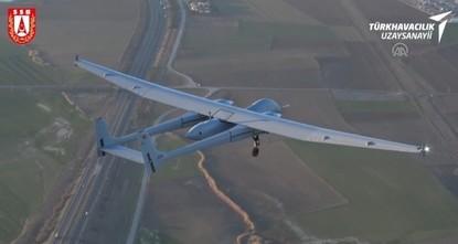 طائرة العنقاء التركية تجتاز اختبارها الأول بنجاح