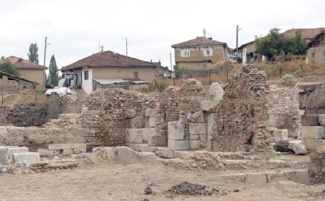 Ancient bath unearthed in city of Sebastopolis