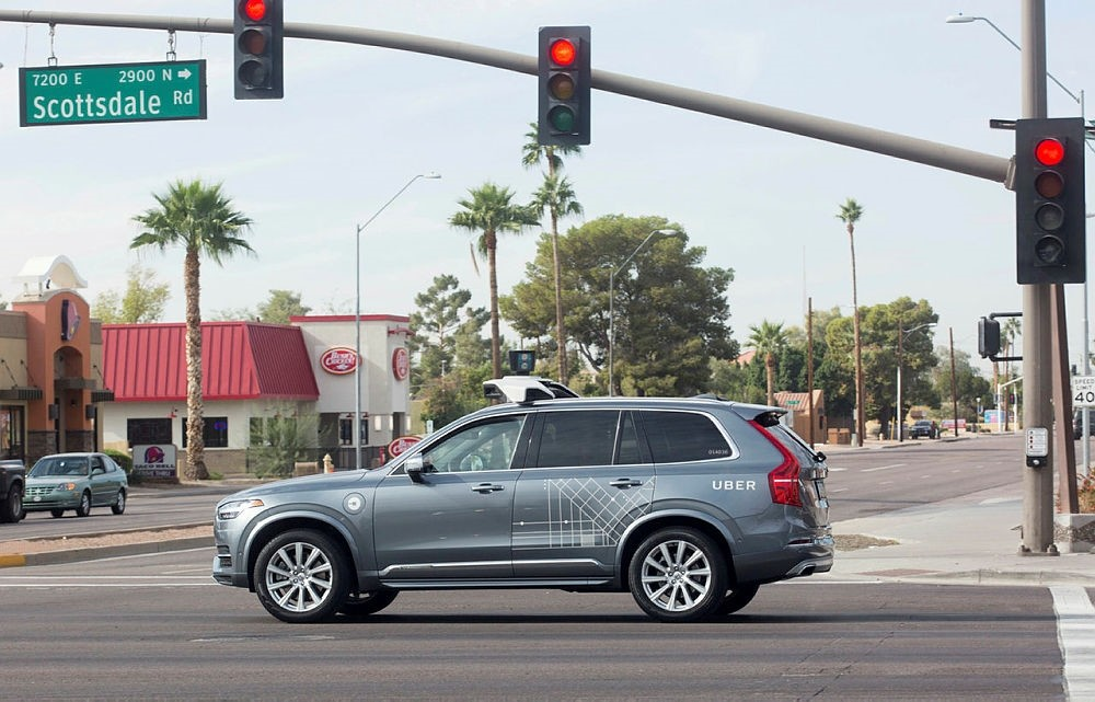 FILE PHOTO: A self driving Volvo vehicle, purchased by Uber, moves through an intersection in Scottsdale, Arizona, U.S., December 1, 2017. (REUTERS Photo)