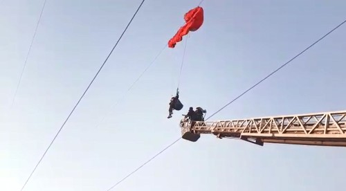 Paraglider hangs from powerline for 2 hours in southern Turkey