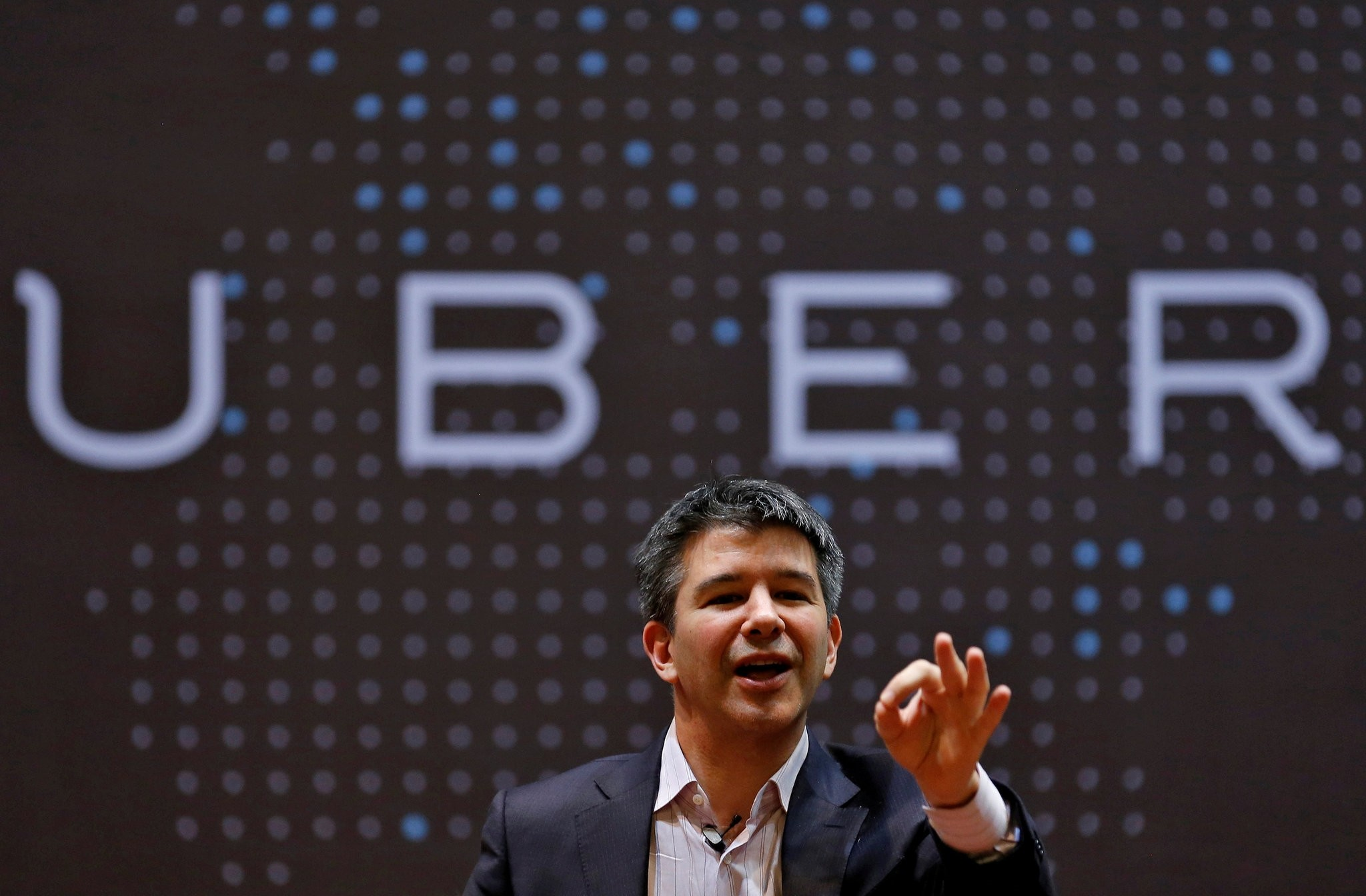 Uber CEO Travis Kalanick speaks to students during an interaction at the Indian Institute of Technology (IIT) campus in Mumbai, India, January 19, 2016. (REUTERS Photo)