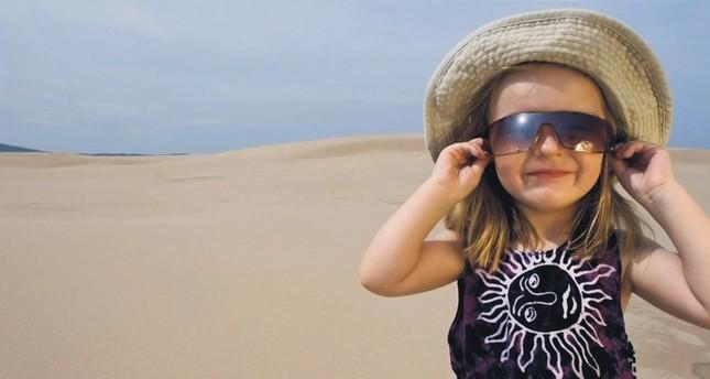 Cheap sunglasses threaten eye health