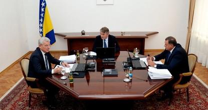 Bosnia fails to form new gov't over NATO divide