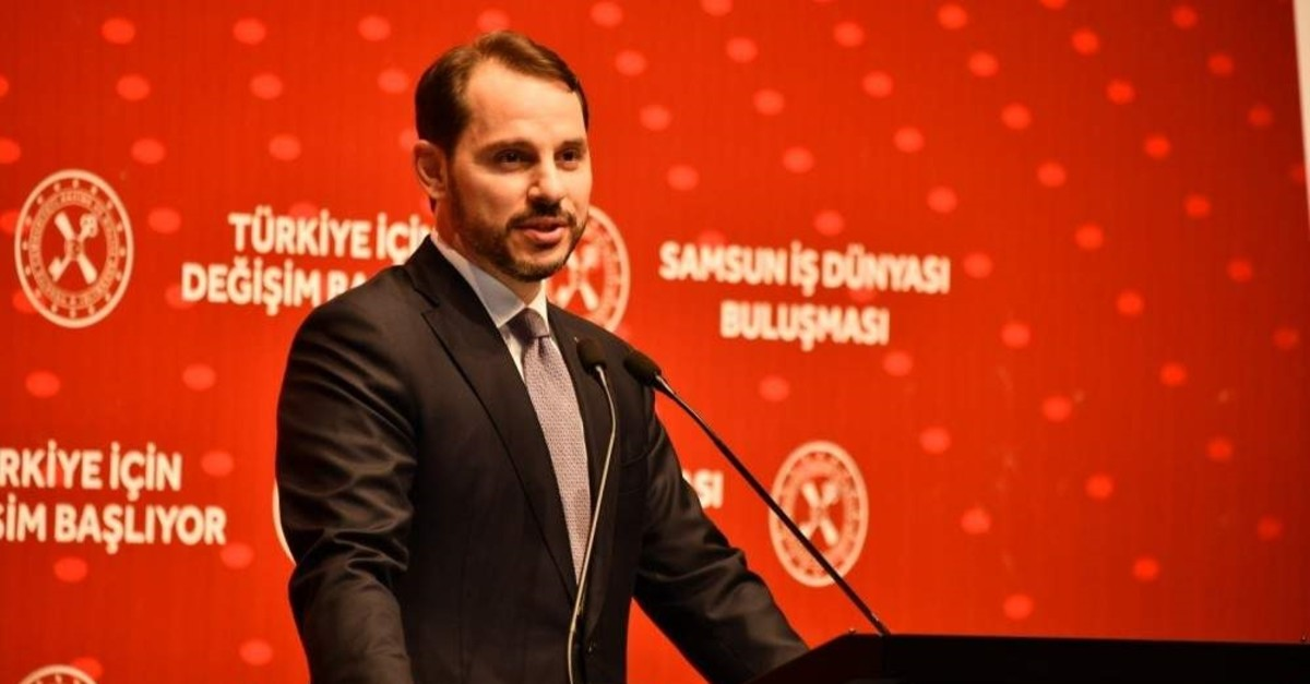 Treasury and Finance Minister Berat Albayrak delivers a speech at a meeting with businesspeople, Samsun, Nov. 7, 2019. (?HA Photo)