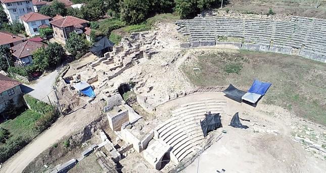 من أعمال الحفريات في الموقع DHA
