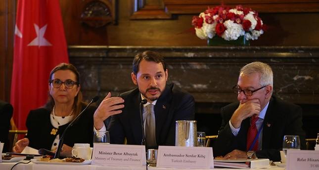 وزير المالية والخزانة التركي: لا نعاني مشاكل في ديون القطاعين العام والخاص
