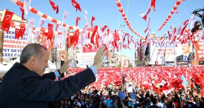 Speaking in the western province of Denizli Friday, President Recep Tayyip Erdoğan said that Turkey would continue forward with democracy and that the constitutional amendment package aims to move...