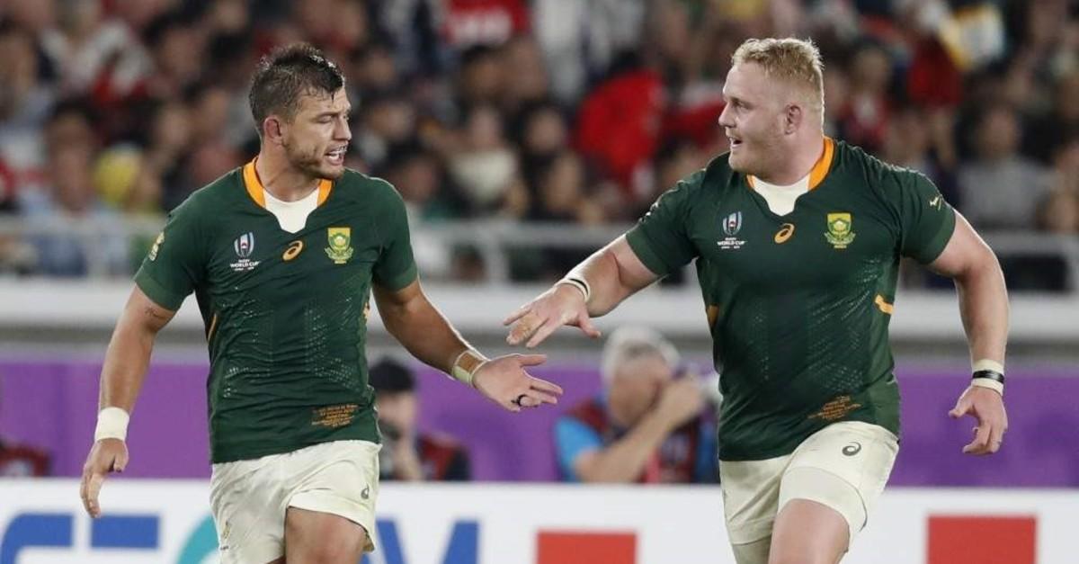 South Africa's Handre Pollard (L) celebrates after kicking a penalty, Yokohama, Oct. 27, 2019. (Reuters Photo)