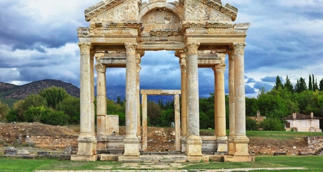 Fourteen columns of the Ionic Temple of Aphrodite have been re-erected. Petek Ar?c? / iStock