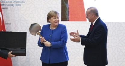 ميركل: الجامعة التركية - الألمانية نموذج استثنائي للتعاون بين البلدين