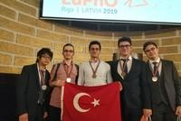 فريق تركي يفوز بالمركز الأول في أولمبياد الفيزياء الأوروبي