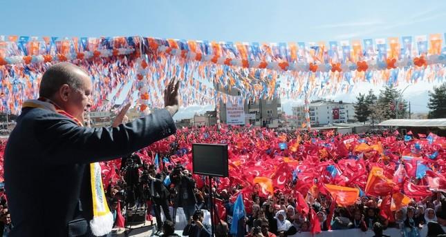 President Recep Tayyip Erdoğan greets voters in Şırnak province, March 11, 2019.