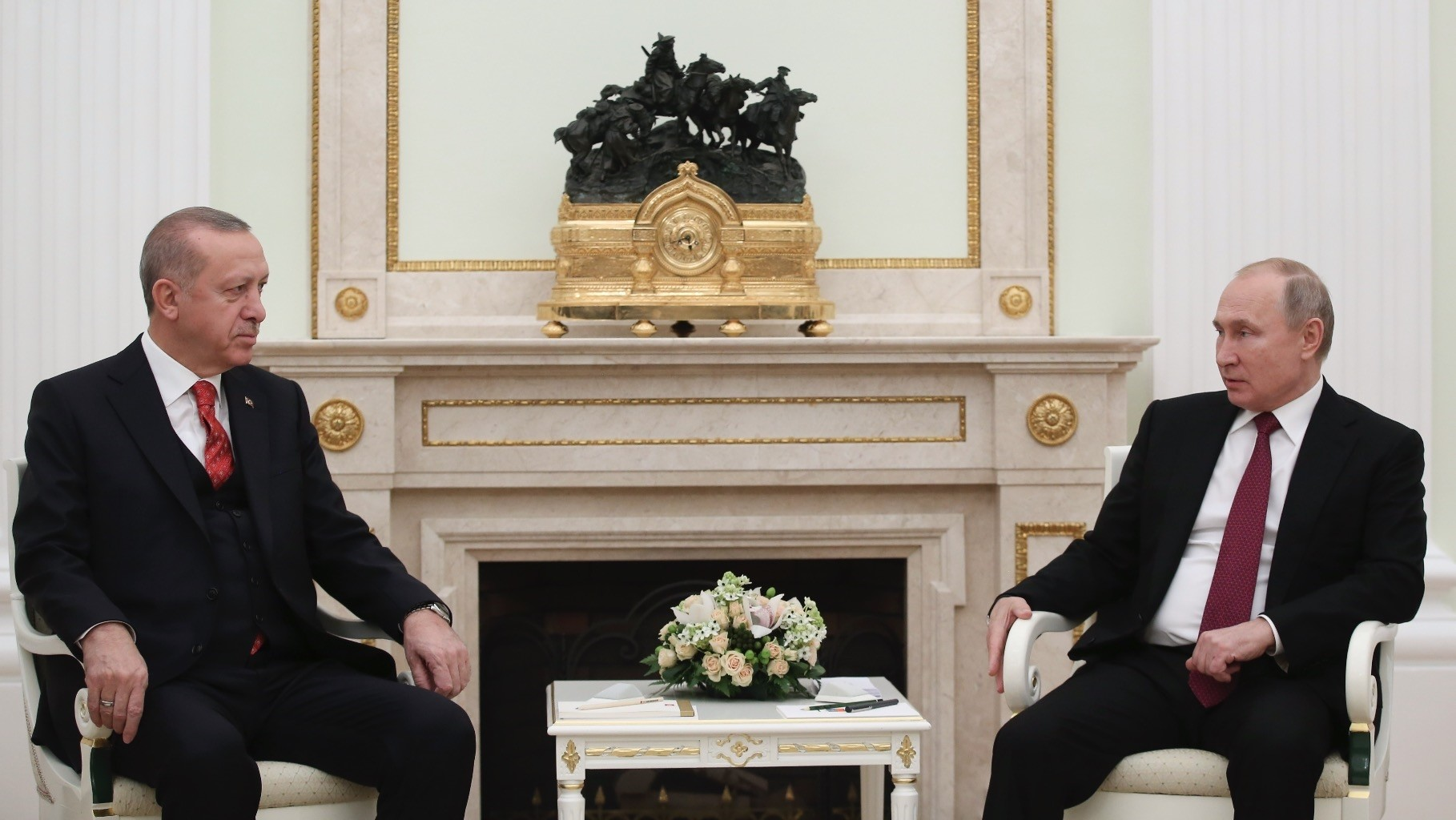 President Recep Tayyip Erdou011fan (L) and Russian President Vladimir Putin discussed bilateral  economic and political relations as well as cooperation in Syria, Moscow, Jan. 23, 2019.