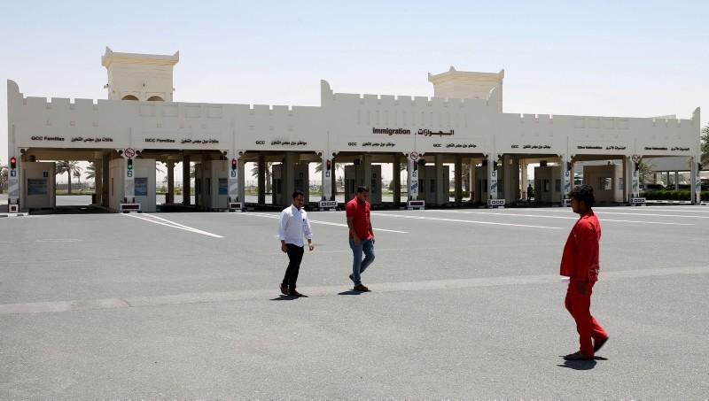 A picture shows the Qatari side of the Abu Samrah border crossing between Saudi Arabia and Qatar, on June 20, 2017. (AFP Photo)