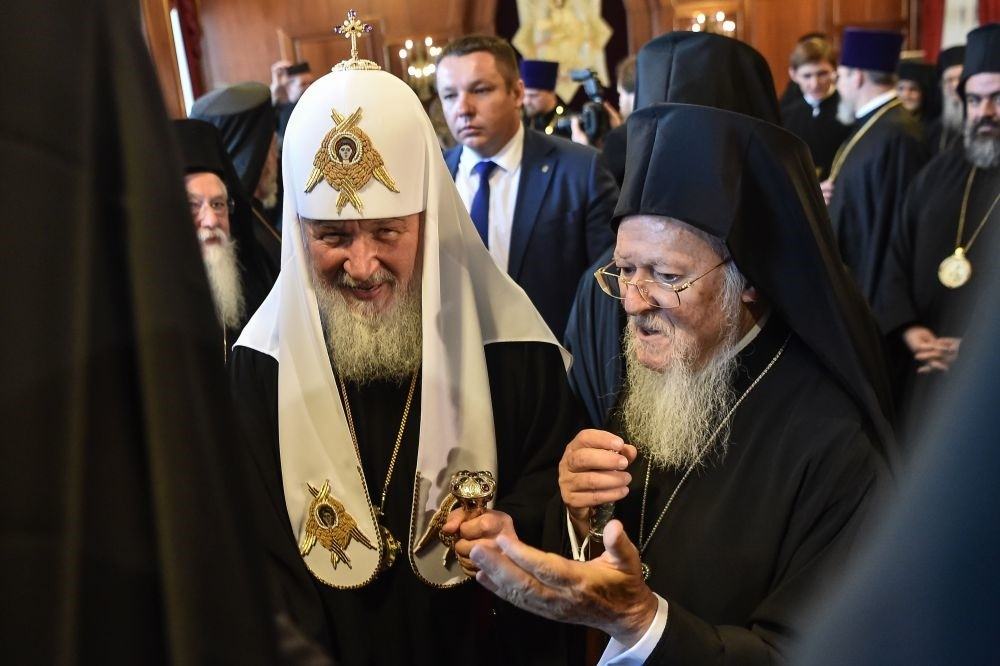 Patriarch Kirill (left) met Patriarch Bartholomew in Istanbul on Aug.31.