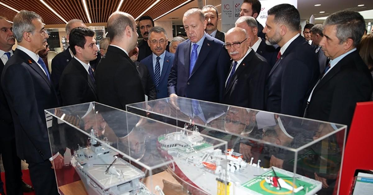 President Recep Tayyip Erdou011fan examines projects developed in Teknopark Istanbul, Feb. 16, 2020. (AA Photo)