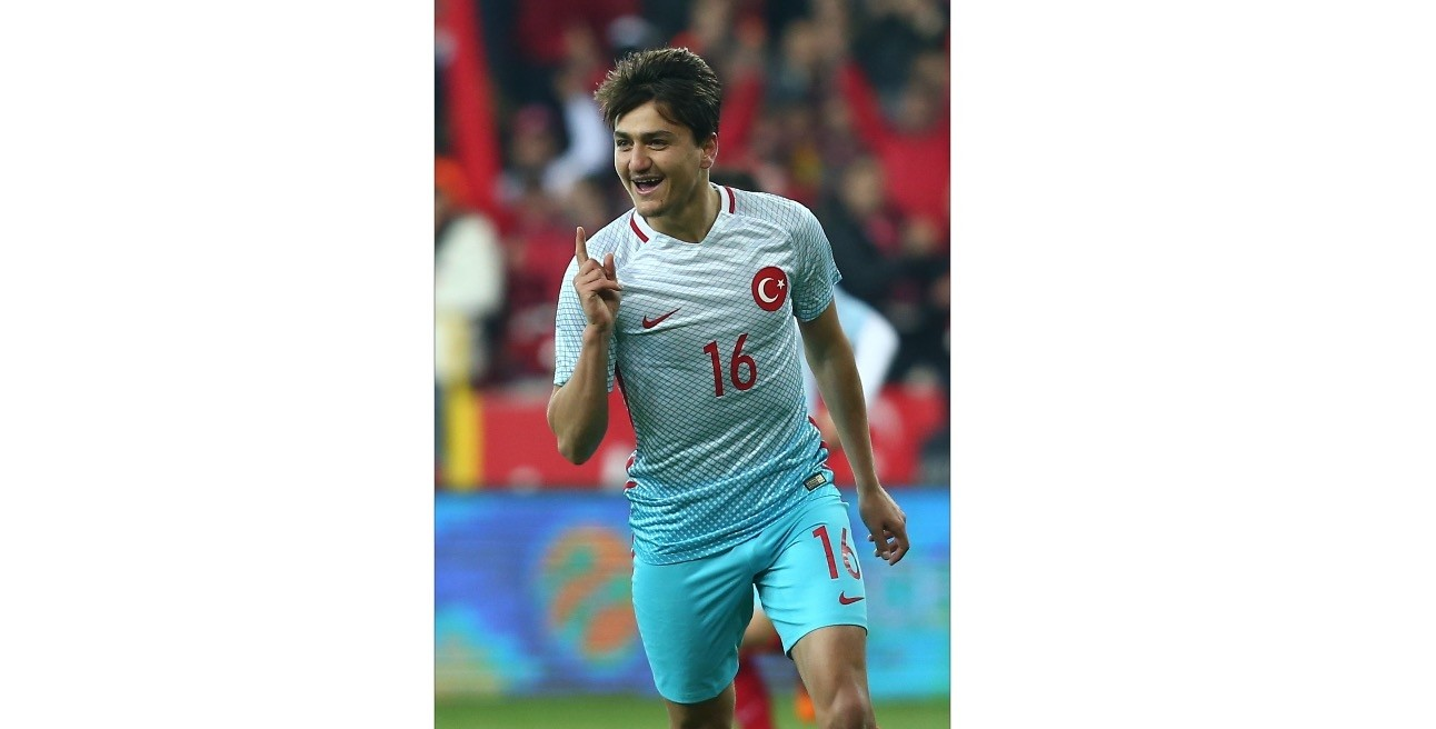 Cengiz u00dcnder, who is in top form with Roma, was called up for the national team.
