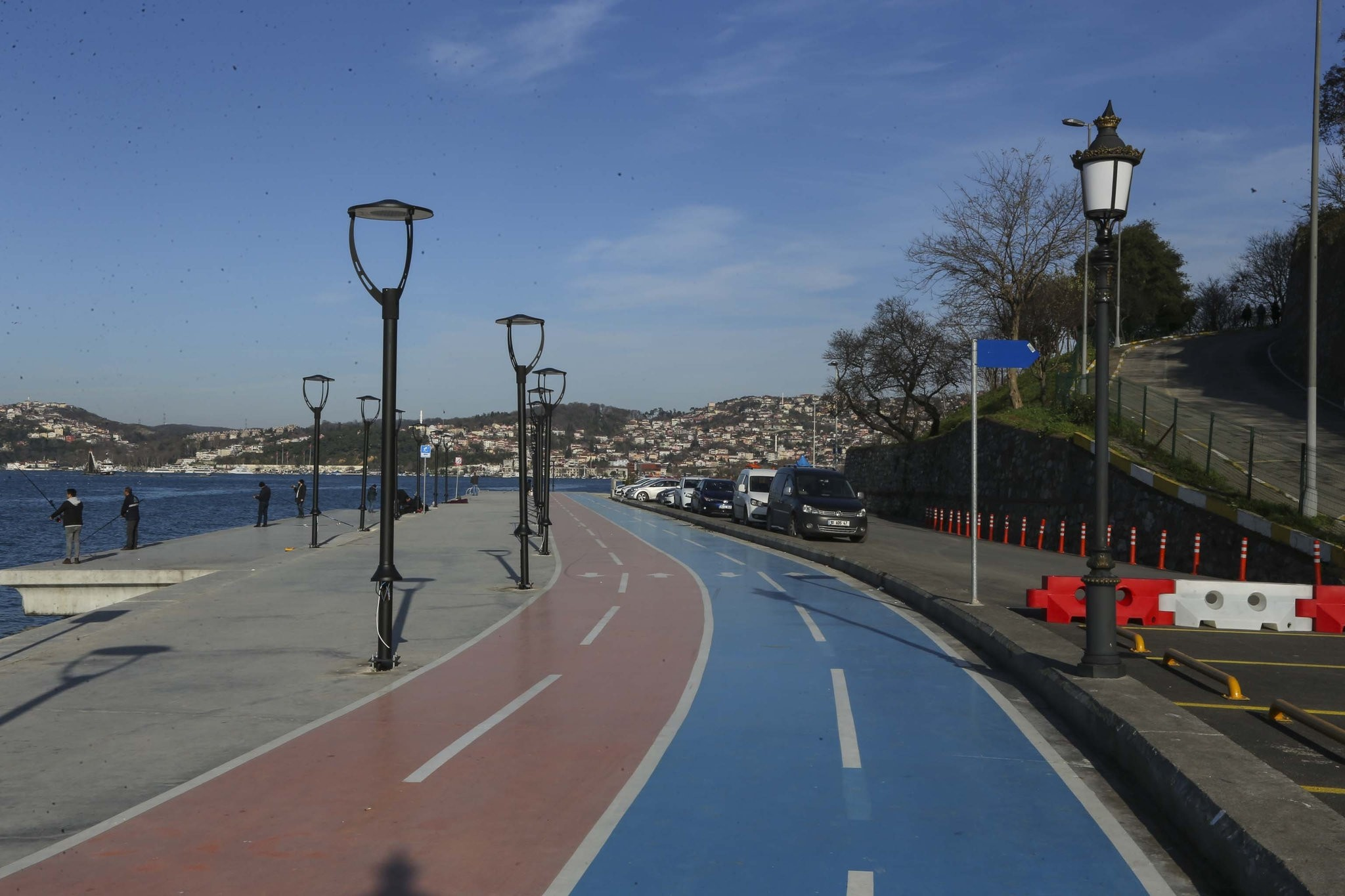 A bicycle lane stretching from Istanbulu2019s Kanlu0131ca to Pau015fabahu00e7e districts. Turkey plans to build a 3,000-kilometer bike lane network by 2023.