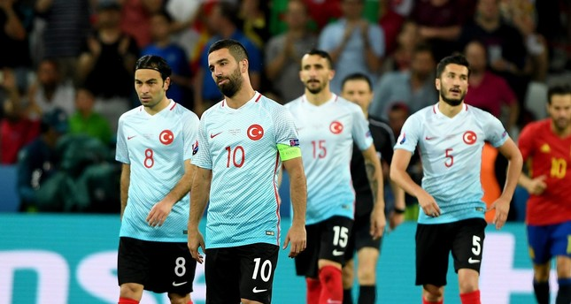 Terim drops 6 top players ahead of World Cup qualifiers