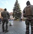 خوفاً من اعتداءات إرهابية.. الحكومة الفرنسية تدعو السترات الصفراء لعدم التظاهر