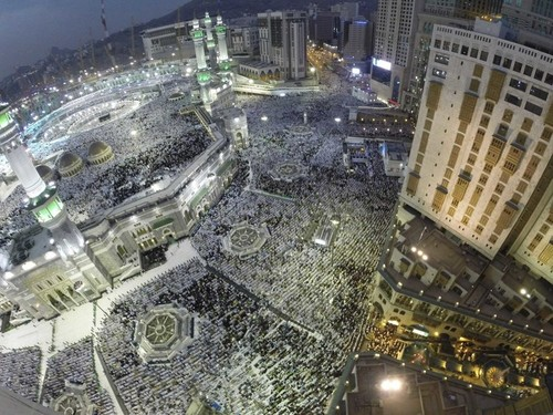 Muslims concerned as Mecca suffers from skyscrapers, loss of heritage