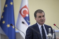 Turkey-EU refugee deal will be suspended if EU rejects new visa waiver proposal, minister says