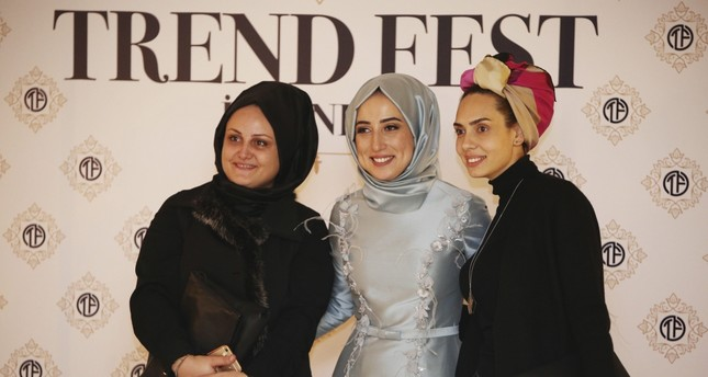Modest clothing fair shows solidarity with Aleppo women