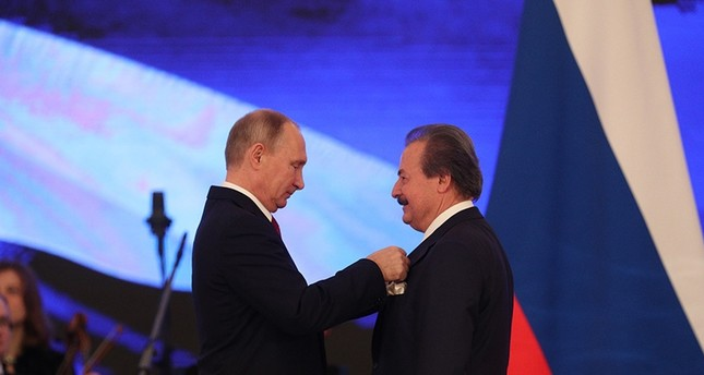 Turkish businessman Cavit Çağlar receives Russian order of friendship from Putin