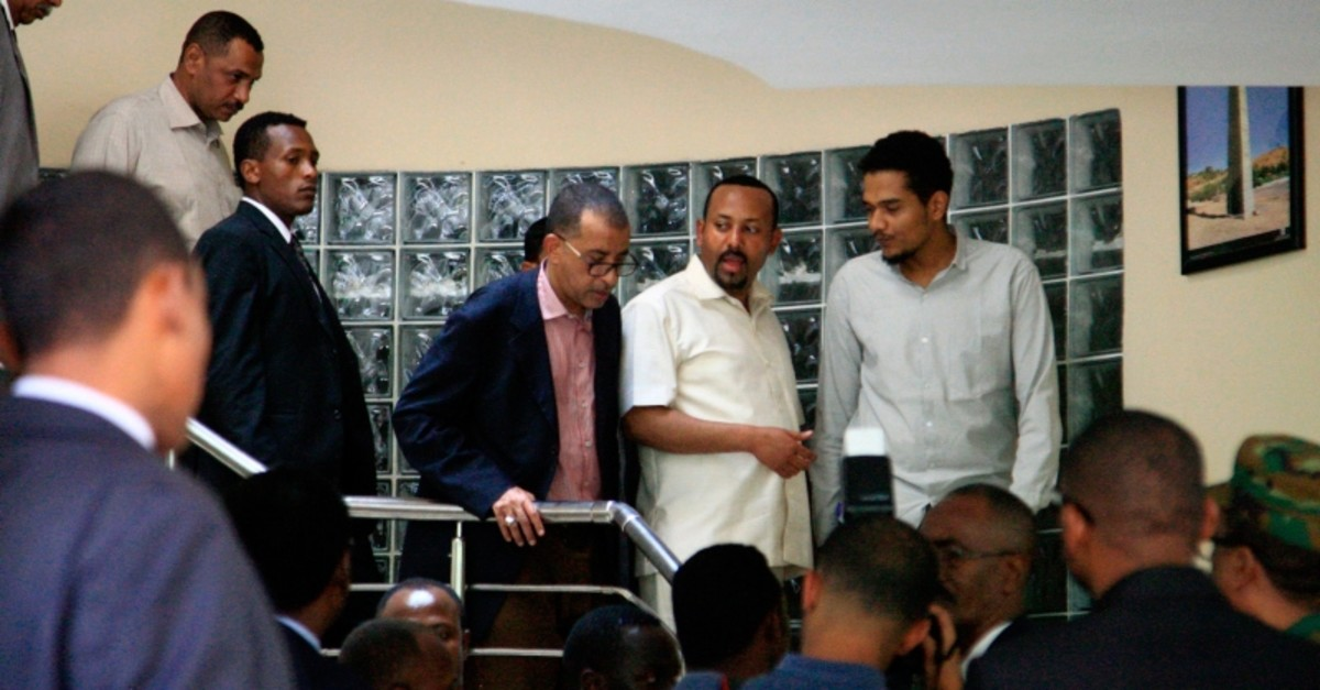 Ethiopia's Prime Minister Abiy Ahmed (2nd-R) meeting a delegation of the Alliance of Freedom and Change in the Ethiopian embassy in Khartoum, Sudan, on June 7, 2019. (AFP Photo)