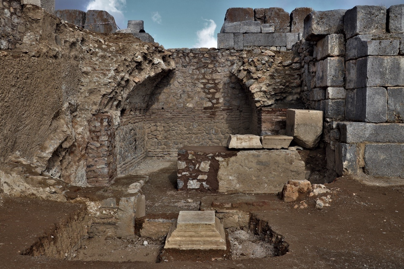 Excavation work continues to unearth the details of the St. Paul Church in the ancient city of Pisidia Antiocheia, which is todayu2019s Yalvau00e7 district of southern Isparta province.