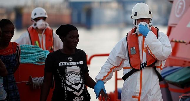 Over 300 Spain-bound migrants rescued in Mediterranean