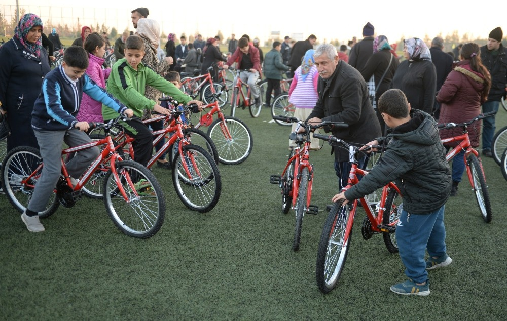 500 children received bicycles in Kilis.