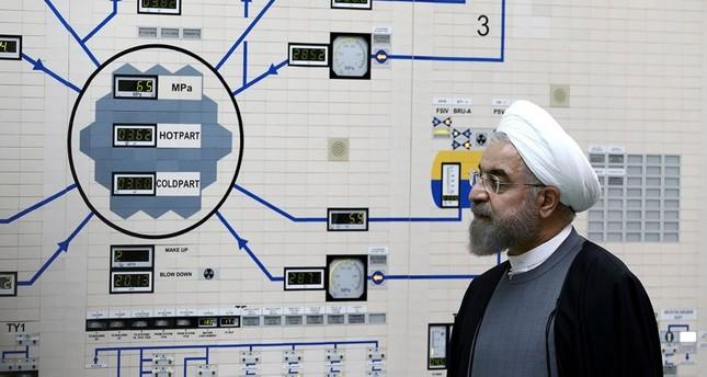 الرئيس الإيراني روحاني داخل محطة بوشهر النووية (من الأرشيف)