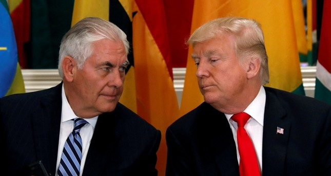U.S. President Donald Trump and Secretary of State Rex Tillerson confer during a working lunch with African leaders during the U.N. General Assembly in New York, U.S., Sept. 20, 2017. (Reuters Photo)